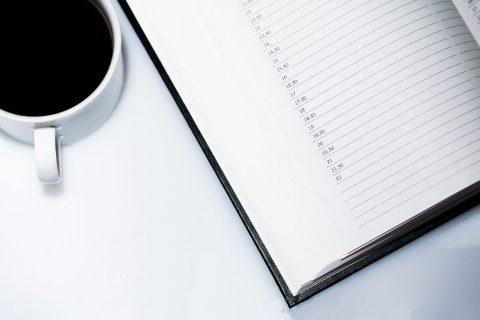 Bild Tasse und Kalender